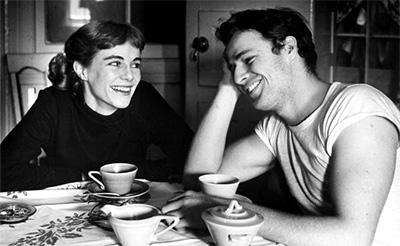 با خواهرش ژاکلین (۱۹۴۸)
